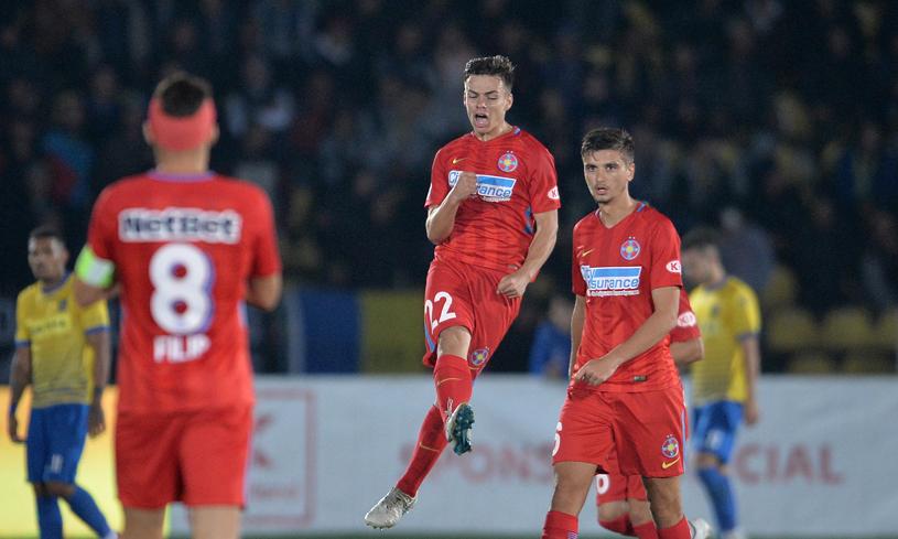 Foto | OFICIAL | Alexandru Buziuc a semnat cu FCSB! Al ...  |Alexandru Buziuc