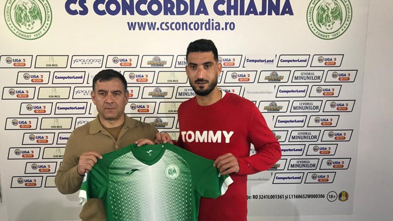 Hamza Younes, alături de Cristian Bălașa, directorul sportiv al Concordiei Chiajna. Foto: Concordia Chiajna